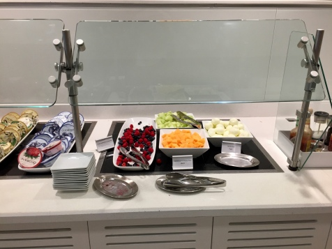 Selection of fresh fruit in the T5 Admirals Club