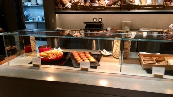 The Pier, Cathay Pacific Lounge food options